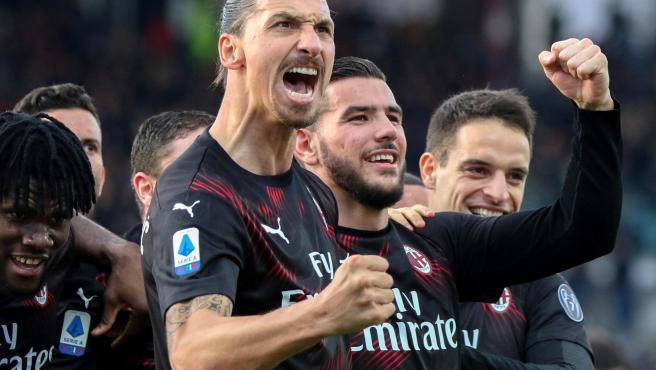 Zlatan celebra el primer gol de su nueva etapa en el Milan.