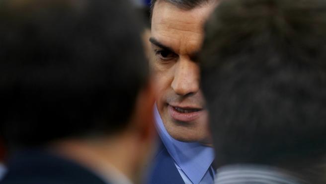 El presidente del Gobierno, Pedro Sánchez, antes de ofrecer una declaración institucional en Moncloa sobre su nuevo Gobierno.