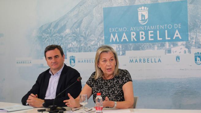 Félix Romero, portavoz del Ayuntamiento de Marbella, y María Francisca Caracuel, concejala de Ordenación del Territorio
