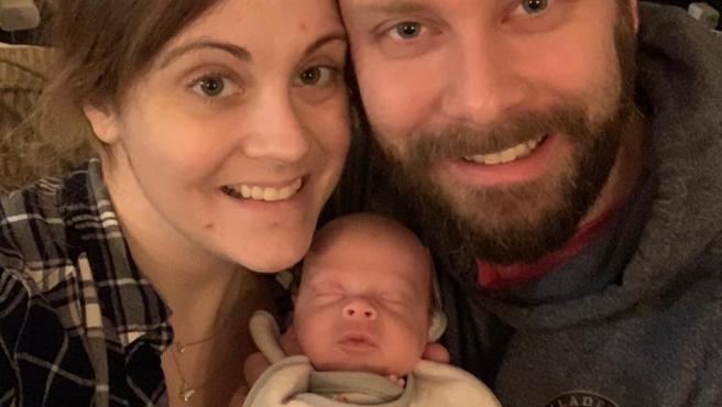 La familia Gobrecht con el pequeño Benjamin.