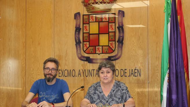 Los dos concejales de Adelante Jaén, Javier Ureña y Lucía Real/Archivo