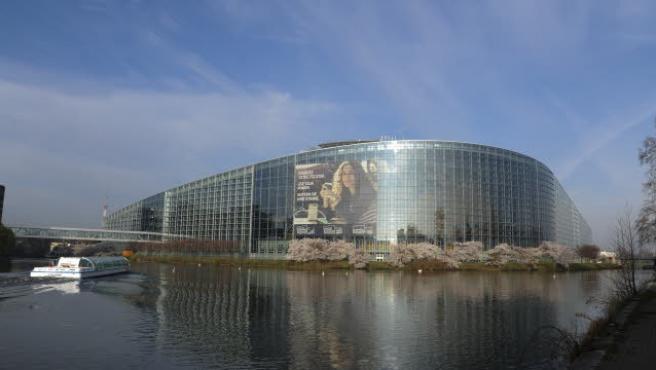 Bruselas promete una nueva estrategia en marzo para corregir la brecha salarial, que en Asturias es casi de 8.500 euros