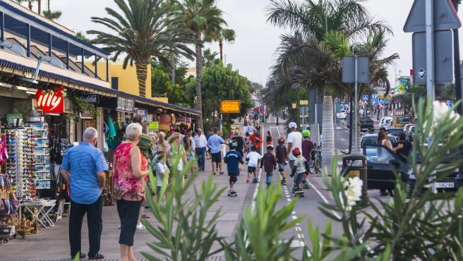 Canarias pierde más de 400.000 turistas en 2019 pero sigue por encima de los 15 millones