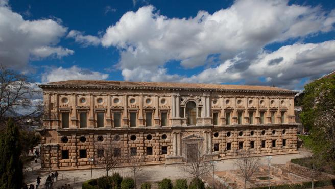 Consejo.- Aprobadas las obras de emergencia en la cerca del Bosque de la Alhambra
