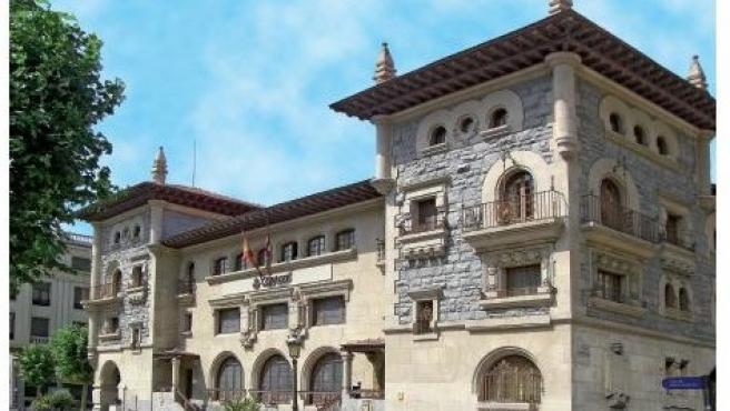 Correos reforma su emblemático edificio central de la calle Postas de Vitoria con 3 millones de euros