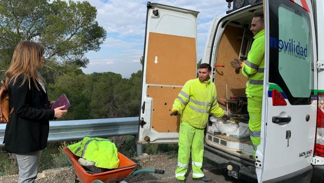 Instalan más de 300 metros de barreras en carreteras de monte para mejorar la seguridad de conductores