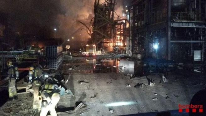 La explosión en La Canonja (Tarragona) desencadenó una segunda deflagración en la planta