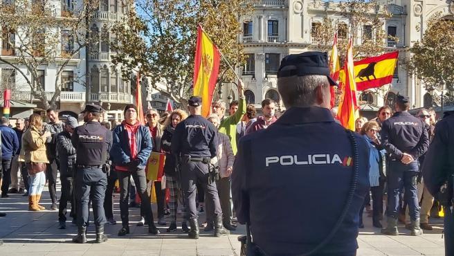 Policia durant la desfilada dels Magues