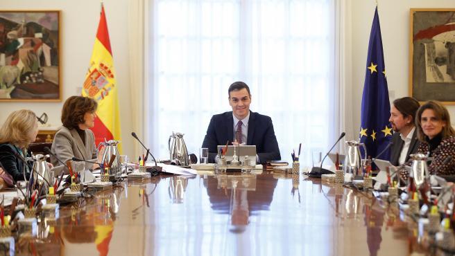 Pedro Sánchez preside el primer Consejo de Ministros del Gobierno de coalición con Unidas Podemos.