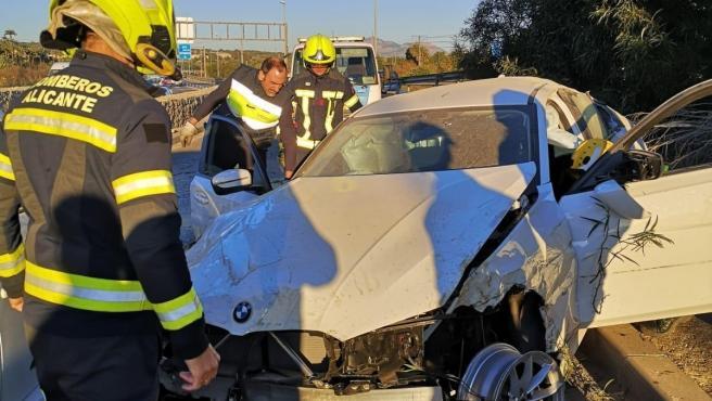 Sucesos.- Dos heridos en un accidente múltiple por el despiste de un conductor en la A7