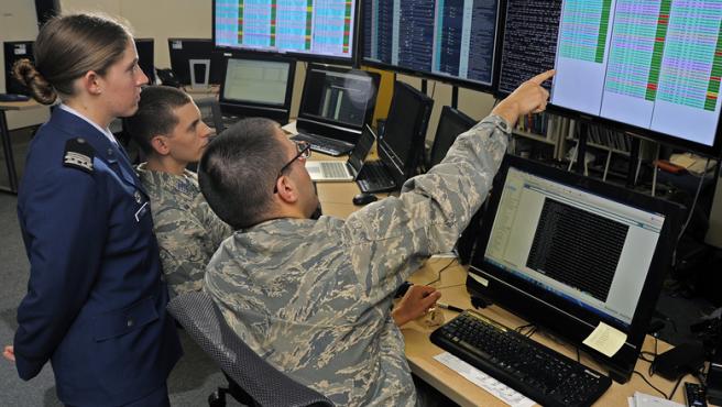 Un grupo de cadetes participa en un ejercicio de ciberseguridad en la Agencia Nacional de Seguridad (NSA) de EE UU, en una imagen de archivo.