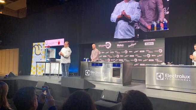 El chef Pablo González-Conejero ofrece una innovadora ponencia centrada en la tradición murciana de la seda