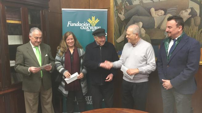 Arteterapia y Fundación Caja Rural del Sur entregan lo recaudado en las exposiciones a entidades sociales