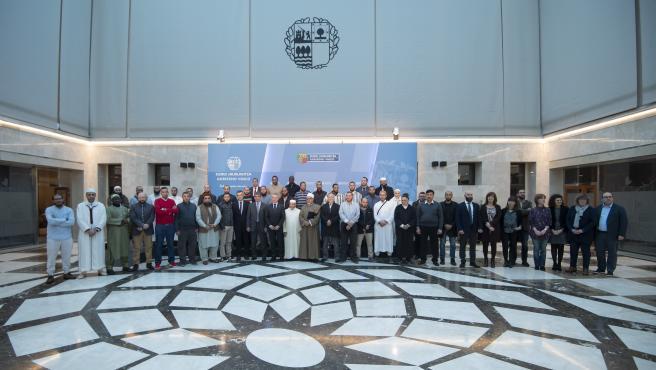 """Instituciones vascas y comunidades islámicas asumen un compromiso compartido en favor de una convivencia """"integradora"""""""