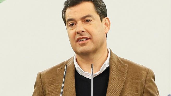El presidente de la Junta de Andalucía y líder del PP andaluz, Juanma Moreno, hace una declaración con motivo del primer año de su investidura