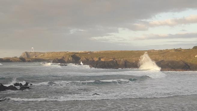 Aemet activa para este lunes la alerta naranja en la costa de A Coruña por fuertes vientos y oleaje