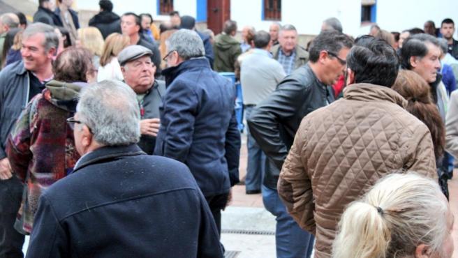 Concentración en Alcaucín en apoyo de la alcaldesa socialista tras la moción de censura presentada por PP y Cs