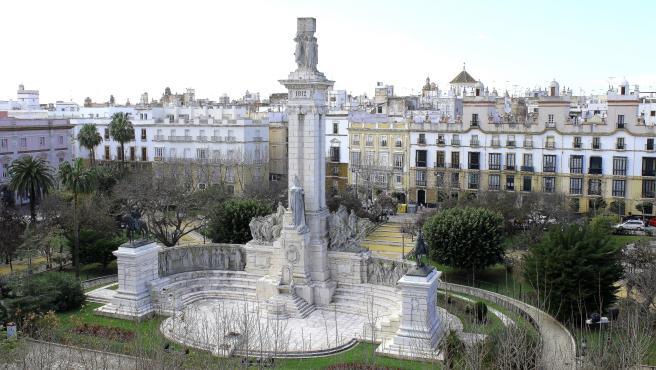 El Ayuntamiento sigue a la espera de la Junta para la firma del convenio para peatonalizar la Plaza España