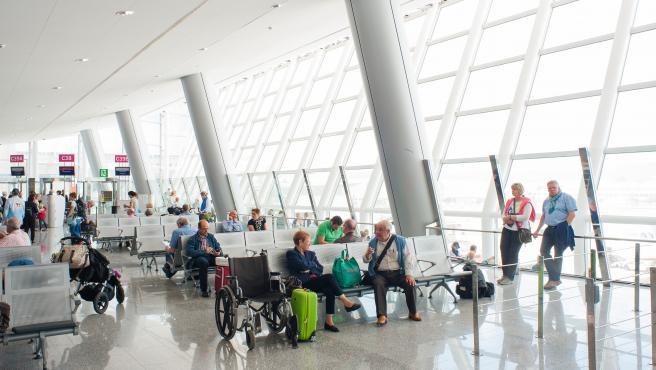 El cierre del aeropuerto de Alicante obliga a cancelar un vuelo en Son Sant Joan