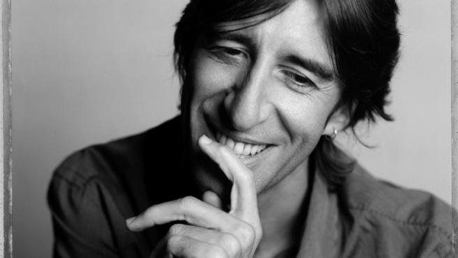 El escritor Benjamín Prado participará en el ciclo 'Diálogos de Medianoche' en Civican el 31 de enero