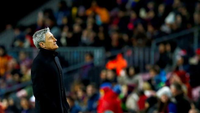 Setién, durante su primer partido como técnico del Barça.
