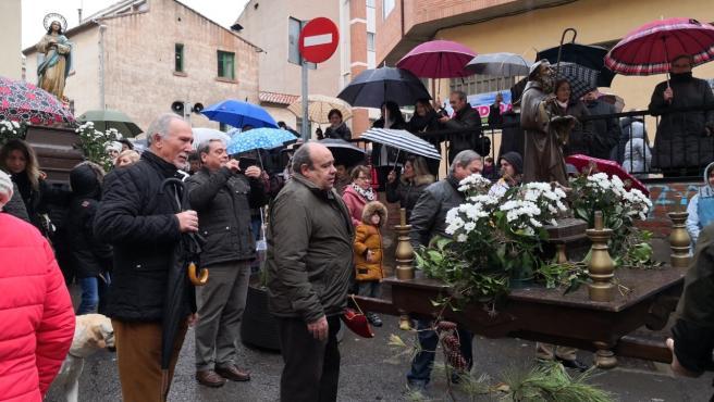 Un centenar de animales reciben la bendición de San Antón en Teruel