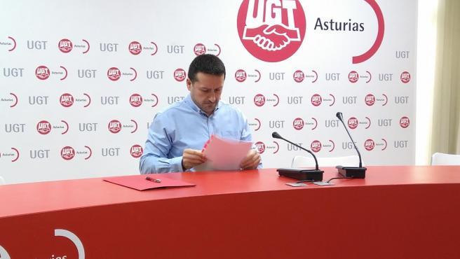 El secretario general de UGT Asturias, Javier Fernández Lanero.