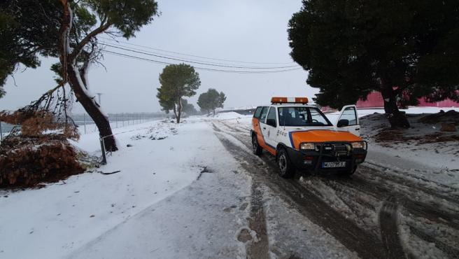 Imagen de una cerretera nevada en Totana facilitada por Protección Civil