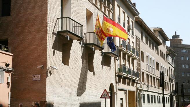El Justicia propone potenciar el Observatorio de Civismo ante los problemas de convivencia en un barrio de Huesca
