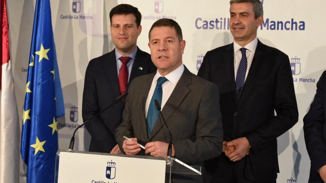 El presidente de C-LM, Emiliano García-Page, en rueda de prensa en Fuensalida