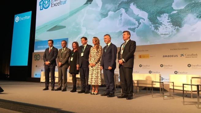 El presidente de Canarias, Ángel Víctor Torres, participa en la mesa de debate 'Potenciando la imagen y la competitividad regional del turismo de España', que se ha celebrado en el marco del X Foro de Liderazgo Turístico de Exceltur, previo a Fitur.