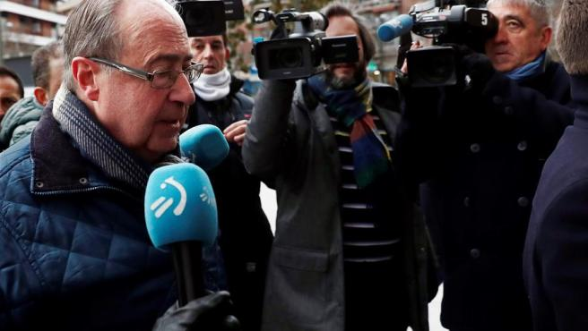 El exgerente de Osasuna, Ángel Vizcay, a su llegada al Juzgado.