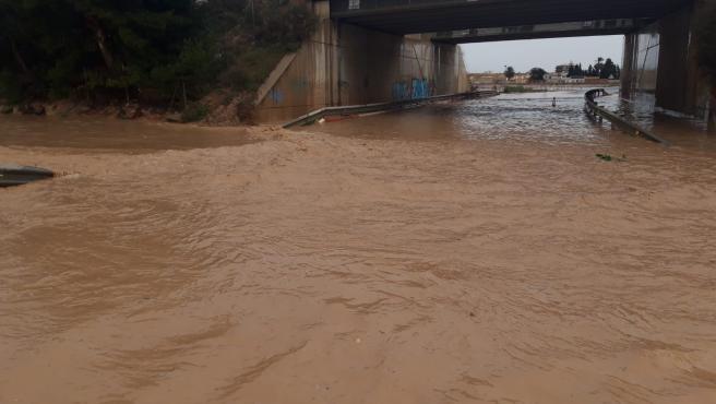 Autovía del MarMenor con La Tercia (RM-F19), inundada por el temporal de lluvia y nieve