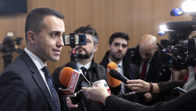 Luigi Di Maio, ante la prensa en Bruselas.