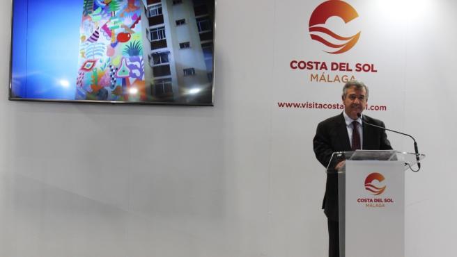 El alcalde de Estepona en Fitur