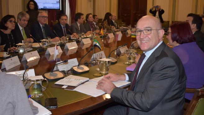 El consejero de Agricultura y Ganadería, Jesús Julio Carnero, en la reunión del Consejo Consultivo en el Ministerio.