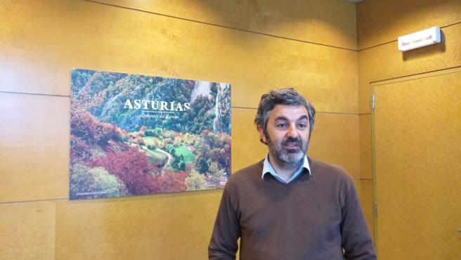 El consejero de Desarrollo Rural, Agroganadería y Pesca, Alejandro Calvo en su despacho.