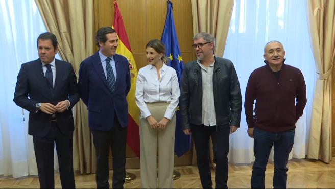 El Ministerio de Trabajo se reúne con Sindicatos y Patronal