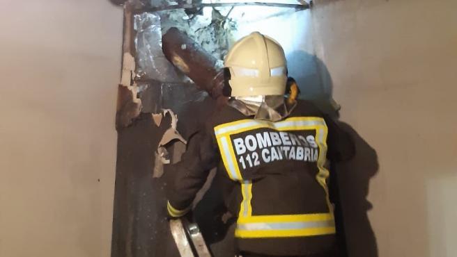 Incendio en la chimenea de la vivienda de Nestares