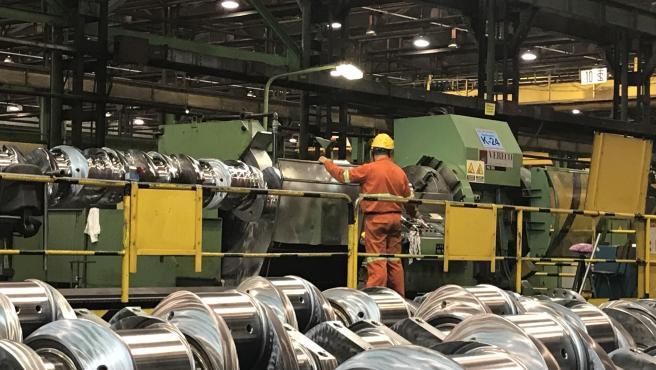 La producción industrial cae un 1,8% en junio en Cantabria, igual que la media