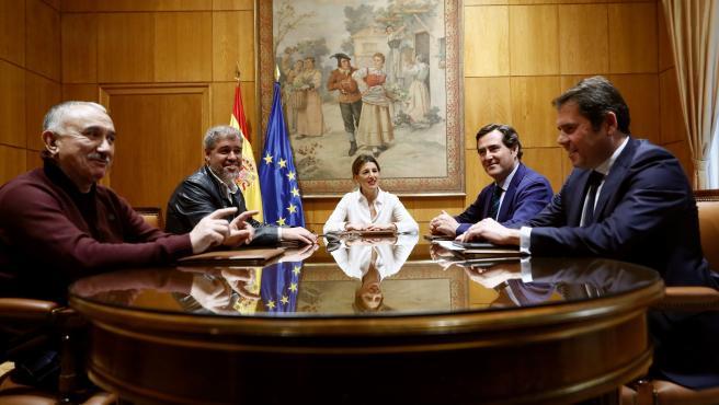 Reunión de Gobierno y agentes sociales por el SMI