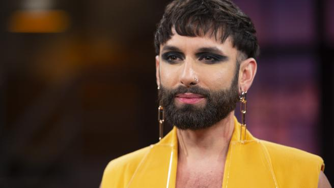 El cantante Conchita Wurst es un hombre que no tiene miedo en jugar con los límites que ponen los roles de género