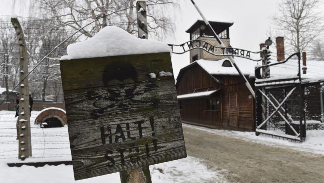Imagen de archivo de uno de los accesos al campo de concentración de Auschwitz.