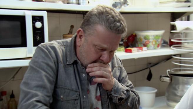 Alberto Chicote entra a la cocina del restaurante 'El Ruiseñor', en 'Pesadilla en la cocina'.