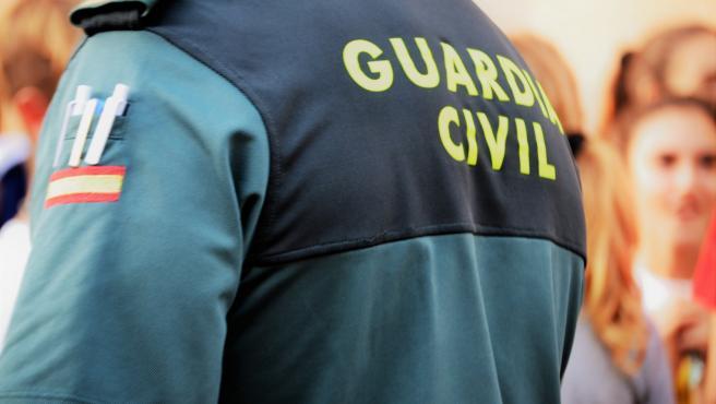 Un agente de la Guardia Civil, de espaldas. Foto de archivo.