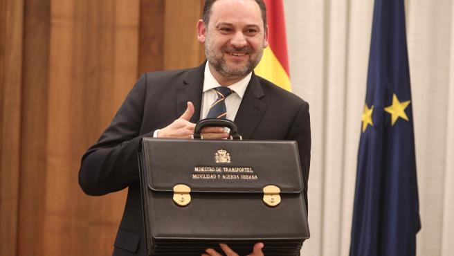 VÍDEO: Ábalos resta importancia al tema de las reuniones con ministros de Maduro