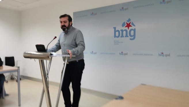 El diputado del BNG Luís Bará en rueda de prensa.