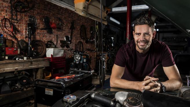 Marc 'Elvis' Priestley, en el garaje del programa 'Joyas sobre ruedas'
