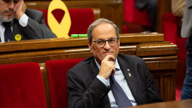 El president de la Generalitat de Catalunya, Quim Torra, sentado en su escaño