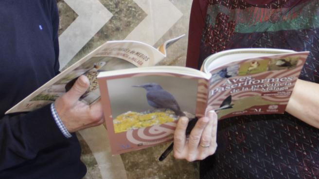 La Diputación fomenta el interés por el avistamiento de aves en la provincia con dos nuevas publicaciones.